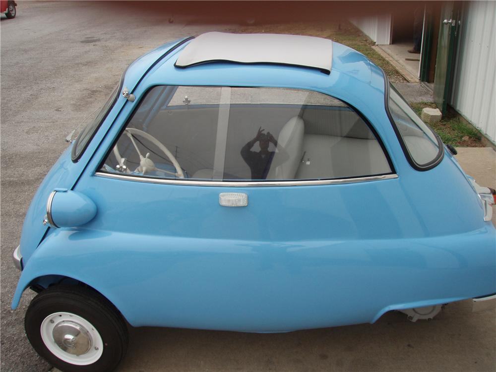 1957 BMW ISETTA 300 COUPE - Side Profile - 81343