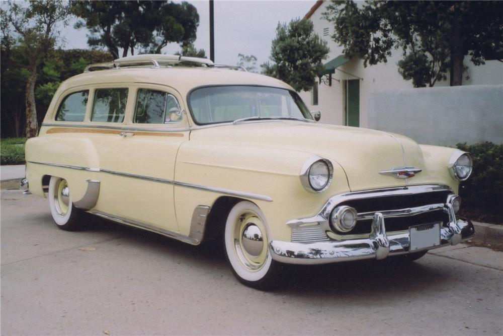 1953 CHEVROLET CUSTOM STATION WAGON - Front 3/4 - 81345
