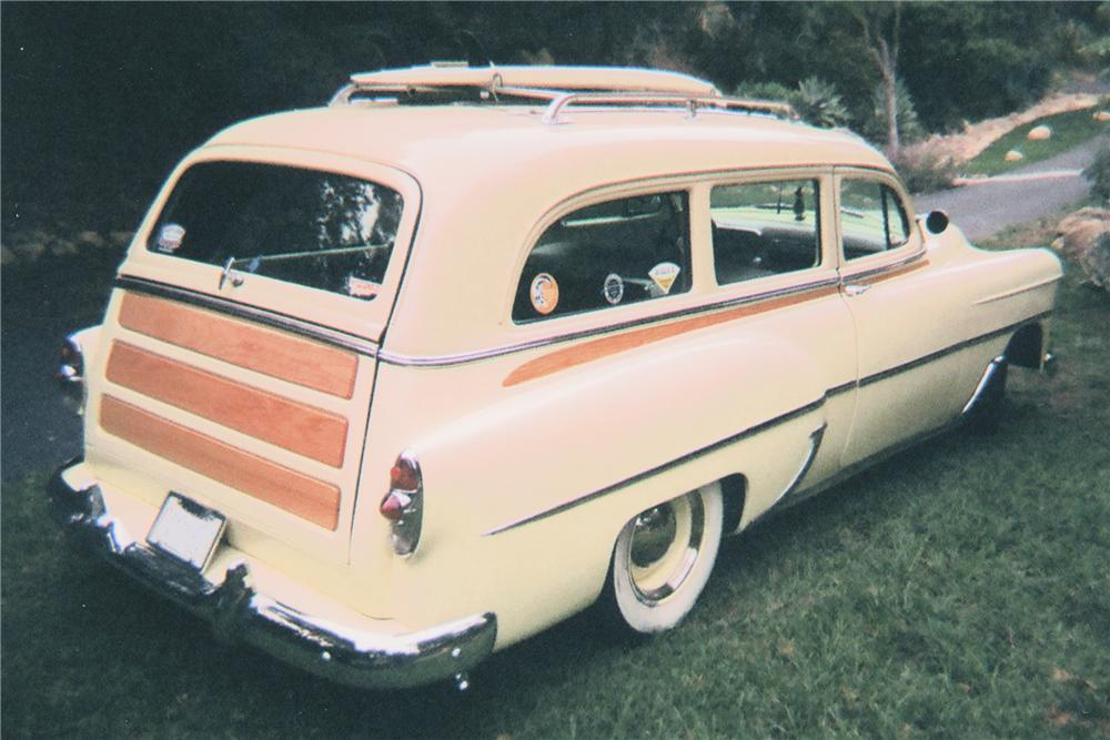 1953 CHEVROLET CUSTOM STATION WAGON - Rear 3/4 - 81345