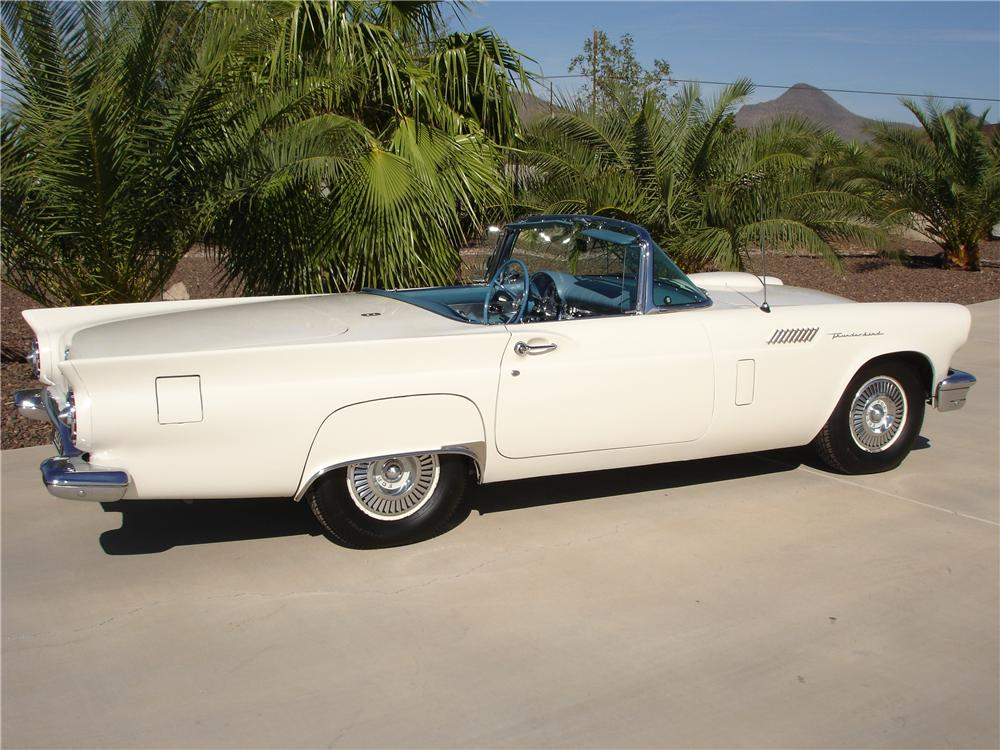 1957 FORD THUNDERBIRD CONVERTIBLE - Rear 3/4 - 81353