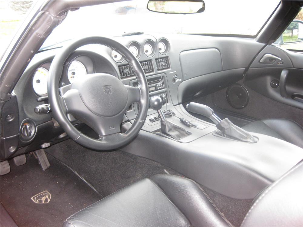 2002 DODGE VIPER RT/10 COUPE - Interior - 81355