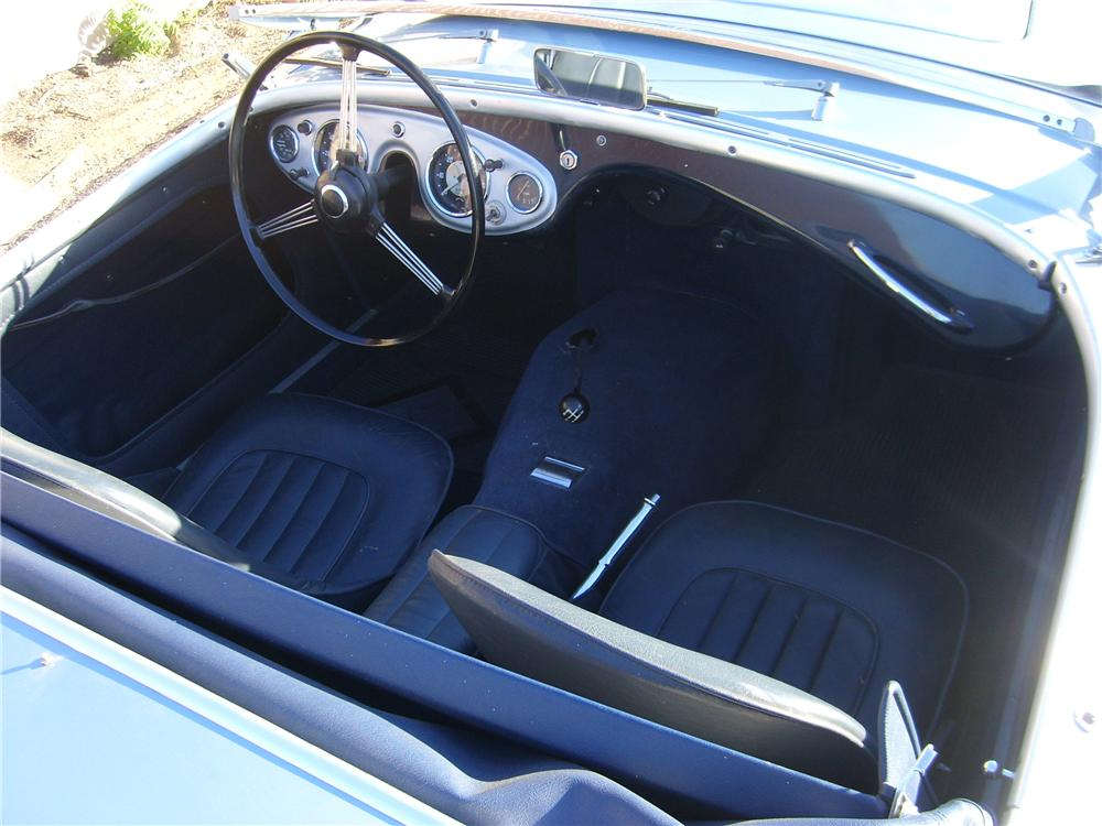 1956 AUSTIN-HEALEY 100 BN2 ROADSTER - Interior - 81374