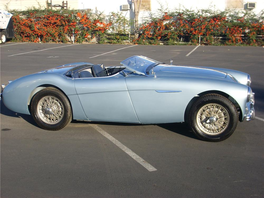 1956 AUSTIN-HEALEY 100 BN2 ROADSTER - Side Profile - 81374