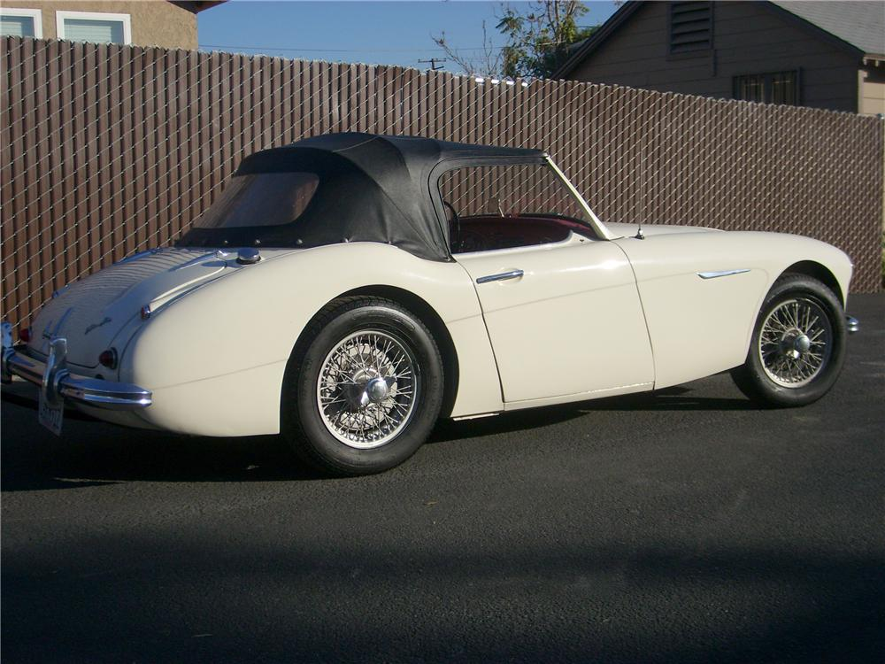 1960 AUSTIN-HEALEY 3000 MARK I BT7 2+2 ROADSTER - Rear 3/4 - 81375