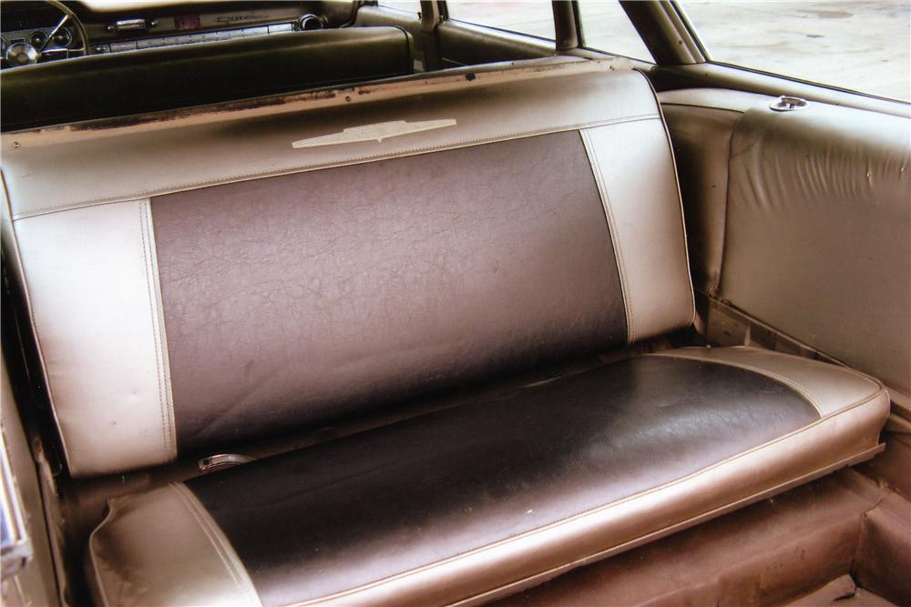 1960 PONTIAC SAFARI 4 DOOR STATION WAGON - Interior - 81413
