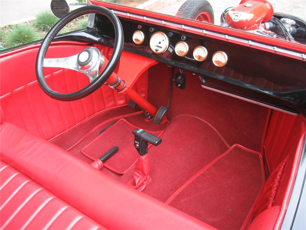 1923 FORD TRACKNOSE ROADSTER - Interior - 81454