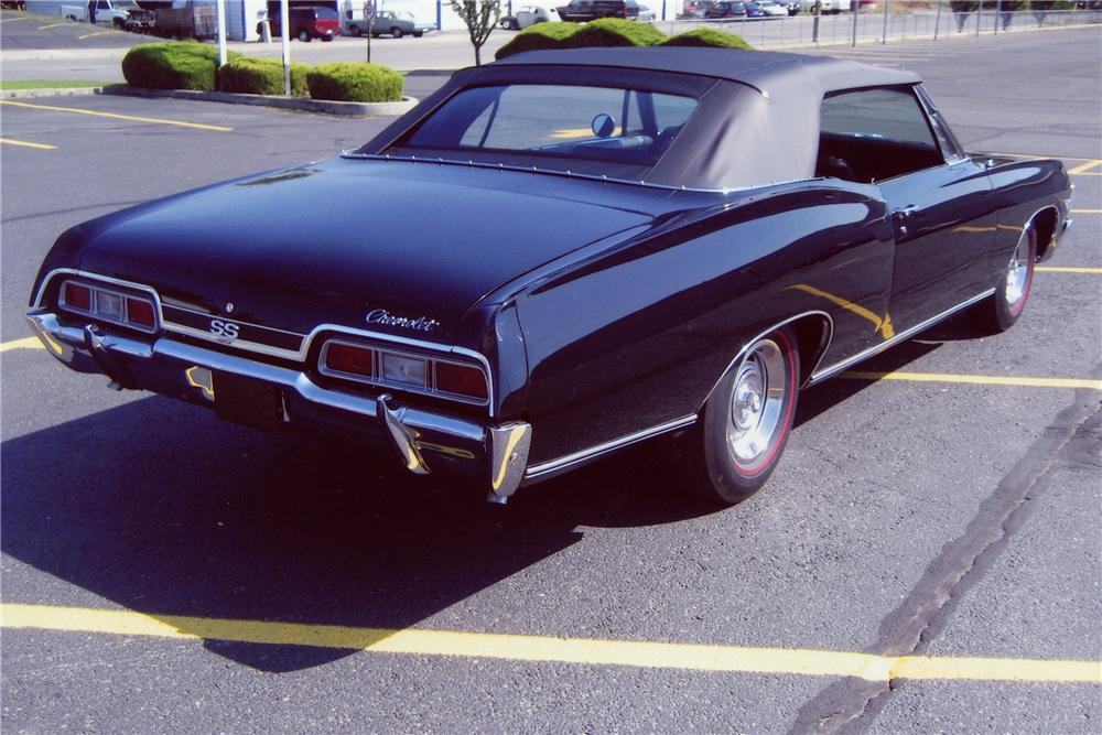 1967 CHEVROLET IMPALA SS CONVERTIBLE - Rear 3/4 - 81476