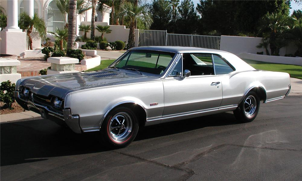1967 OLDSMOBILE 442 2 DOOR HARDTOP - Front 3/4 - 81491