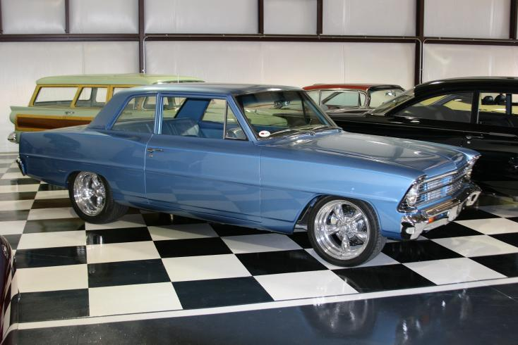 1967 CHEVROLET CHEVY II NOVA CUSTOM SEDAN - Front 3/4 - 81567
