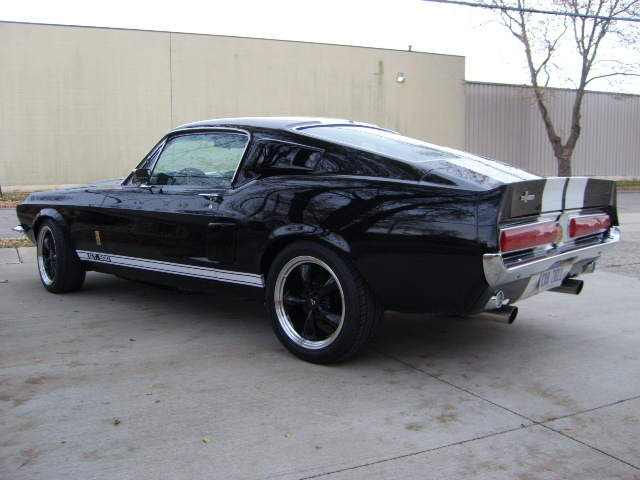 1967 FORD MUSTANG GT CUSTOM FASTBACK - Rear 3/4 - 81574