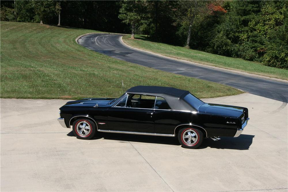 1964 PONTIAC GTO CONVERTIBLE - Side Profile - 81589