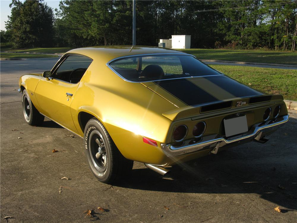1971 CHEVROLET CAMARO Z/28 2 DOOR COUPE - Rear 3/4 - 81600