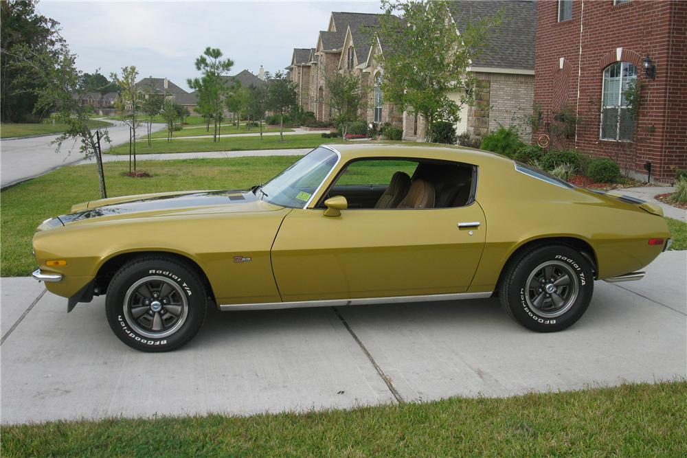 1971 CHEVROLET CAMARO Z/28 2 DOOR COUPE - Side Profile - 81600