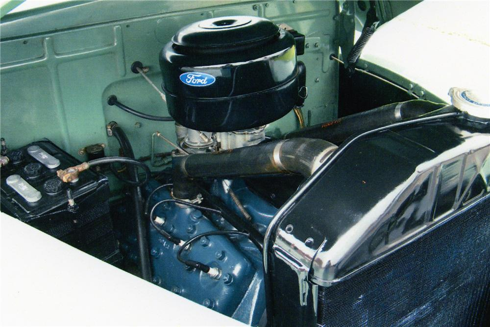1942 FORD SUPER DELUXE CONVERTIBLE - Engine - 81604