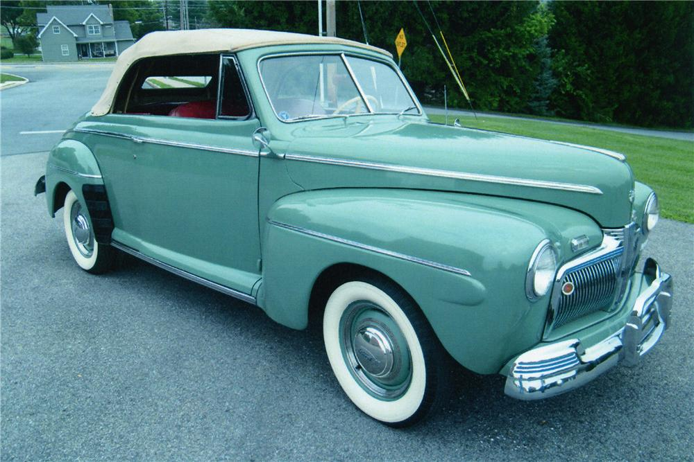 1942 FORD SUPER DELUXE CONVERTIBLE - Front 3/4 - 81604
