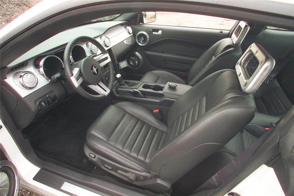 "2005 FORD MUSTANG ""FORZA SHOWDOWN WINNER"" - Interior - 81619"