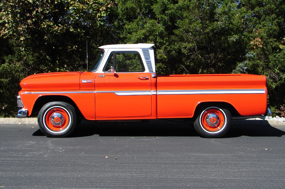 1965 CHEVROLET C-10 PICKUP - Side Profile - 81708