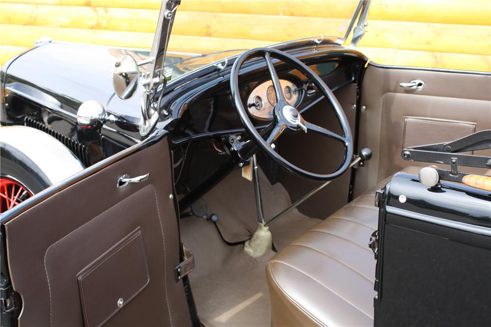 1932 FORD MODEL B ROADSTER - Interior - 81713