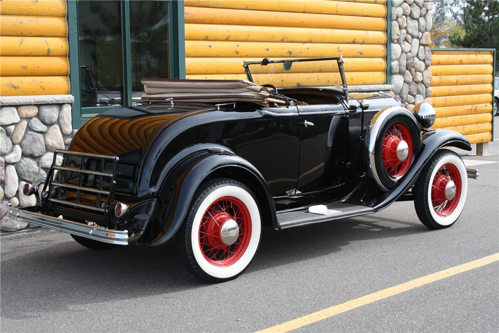 1932 FORD MODEL B ROADSTER - Side Profile - 81713