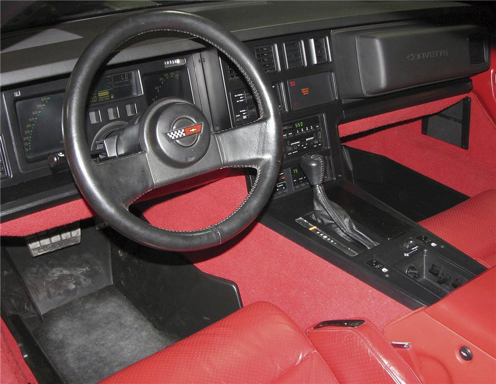 1988 CHEVROLET CORVETTE CONVERTIBLE - Interior - 81737
