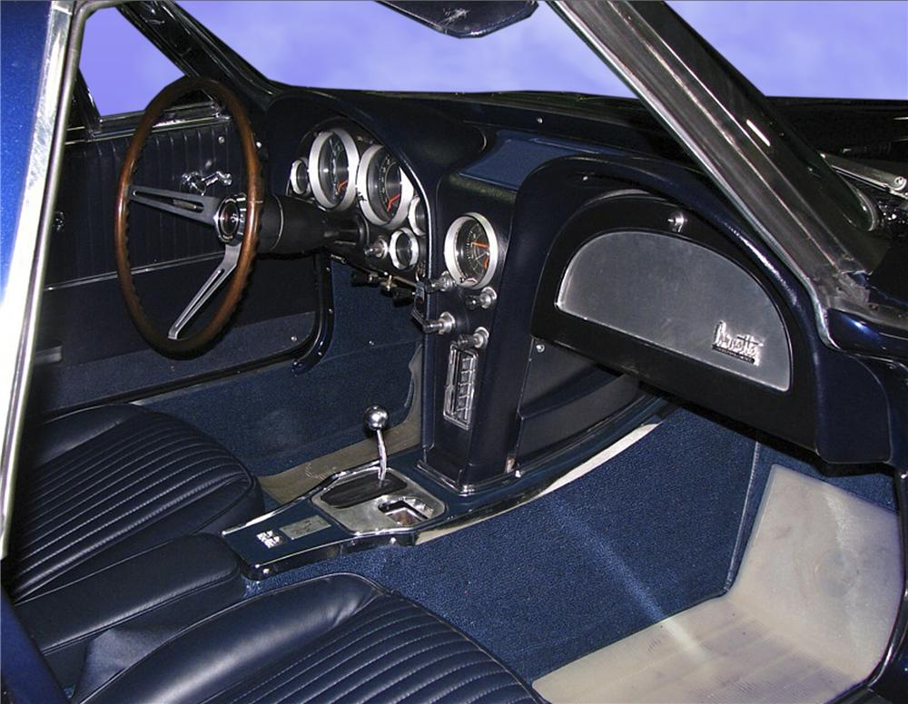 1964 CHEVROLET CORVETTE CONVERTIBLE - Interior - 81743