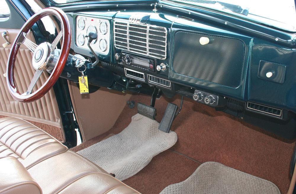 1937 BUICK CENTURY CUSTOM SEDAN - Interior - 81814