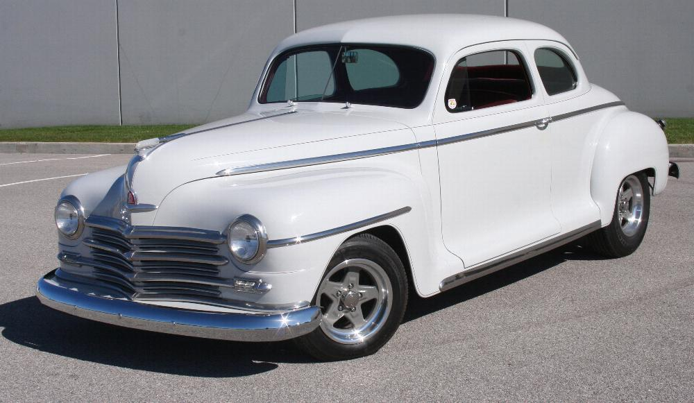 1946 PLYMOUTH DELUXE CUSTOM COUPE - Front 3/4 - 81815