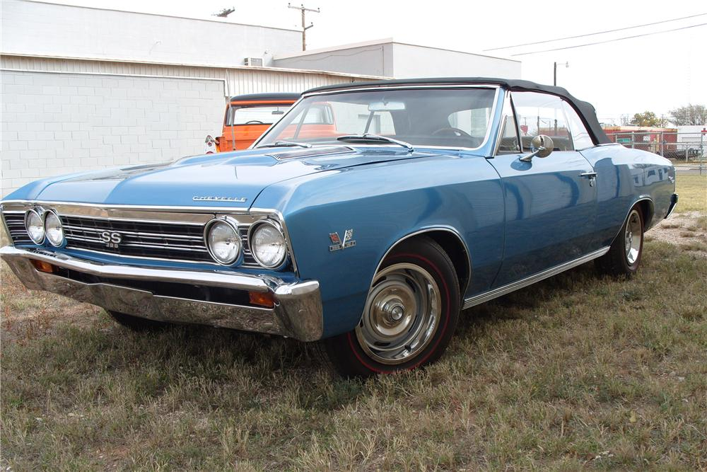 1967 CHEVROLET CHEVELLE SS 396 CONVERTIBLE - Front 3/4 - 81822