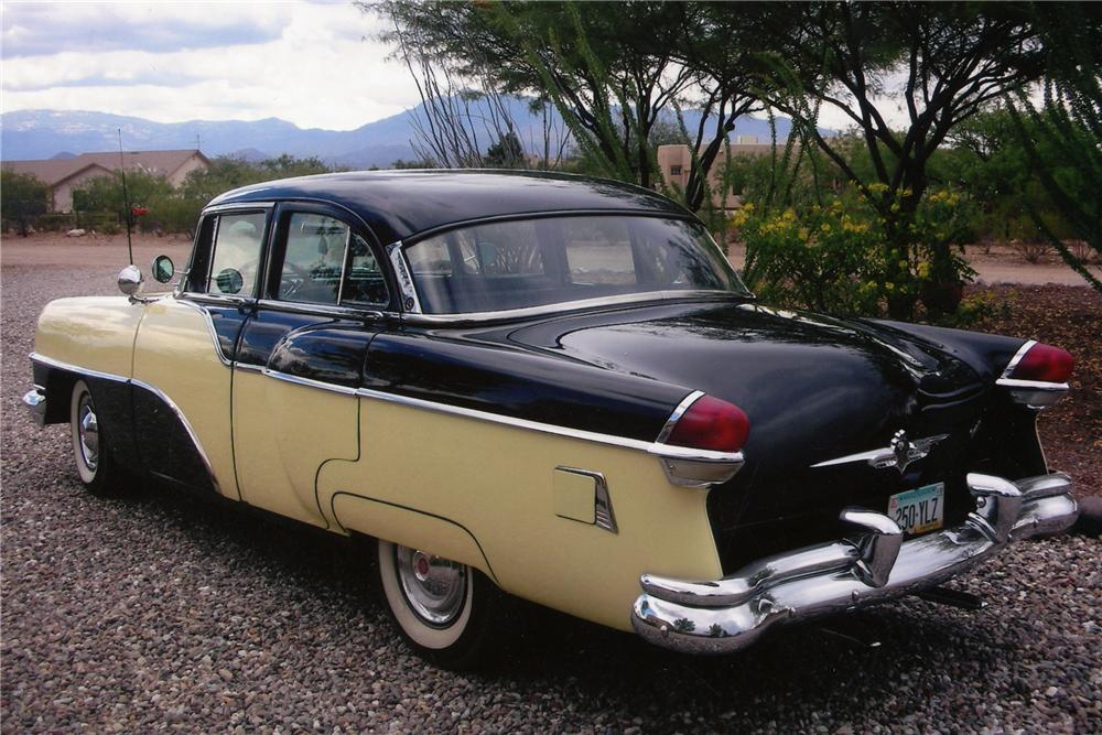 1955 PACKARD CLIPPER 4 DOOR SEDAN - Rear 3/4 - 81824