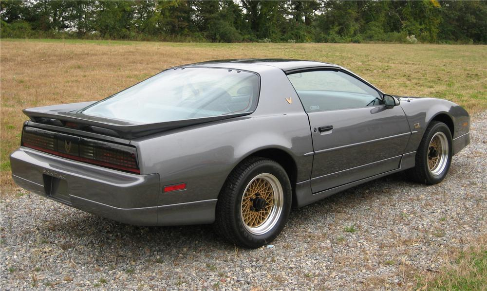 1990 PONTIAC FIREBIRD TRANS AM GTA 2 DOOR COUPE - Rear 3/4 - 81832