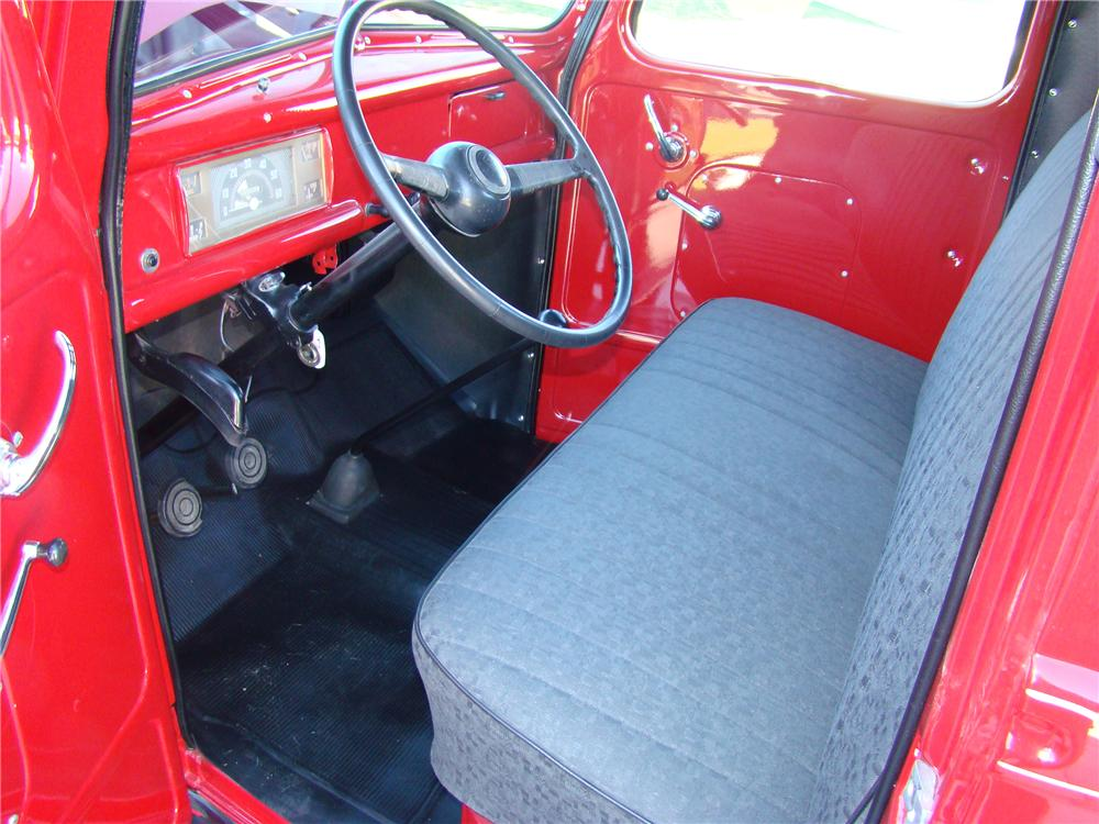 1947 FORD 1 TON FLATBED TRUCK - Interior - 81872