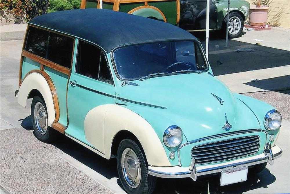 1961 MORRIS MINOR TRAVELLER CUSTOM WOODIE - Front 3/4 - 81873