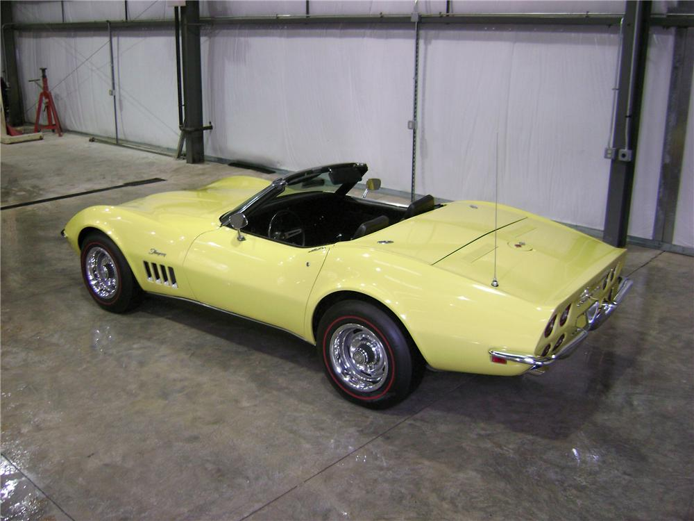 1969 CHEVROLET CORVETTE CONVERTIBLE - Rear 3/4 - 81897