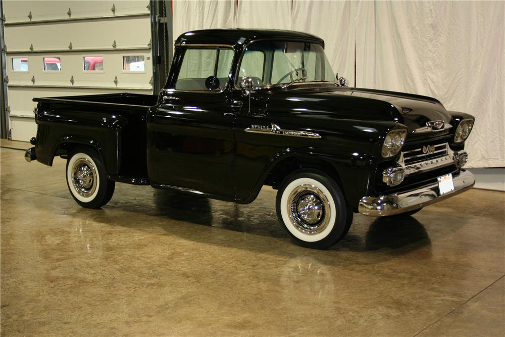 1958 CHEVROLET APACHE PICKUP - Front 3/4 - 81899