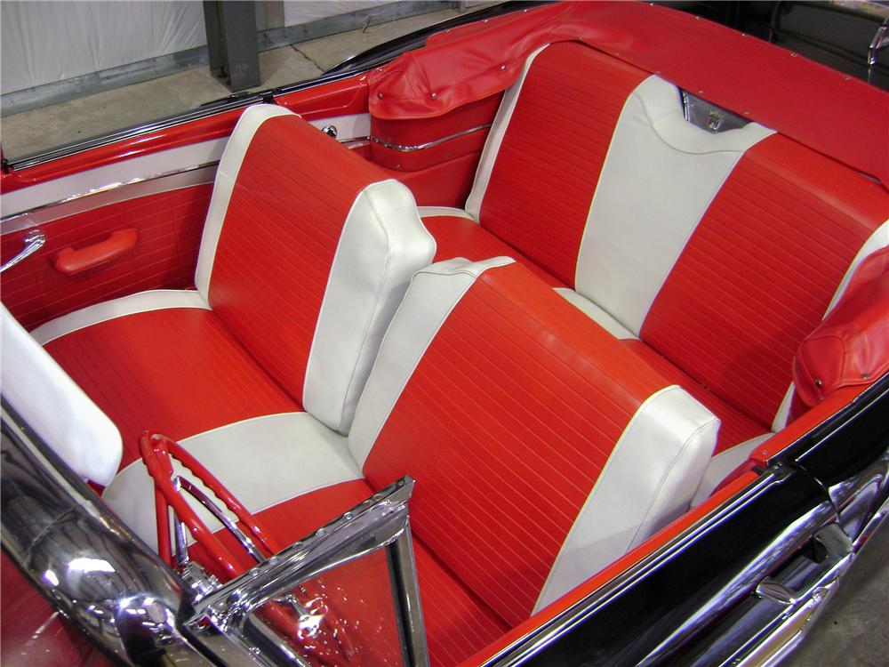 1957 FORD FAIRLANE 500 CONVERTIBLE - Interior - 81902