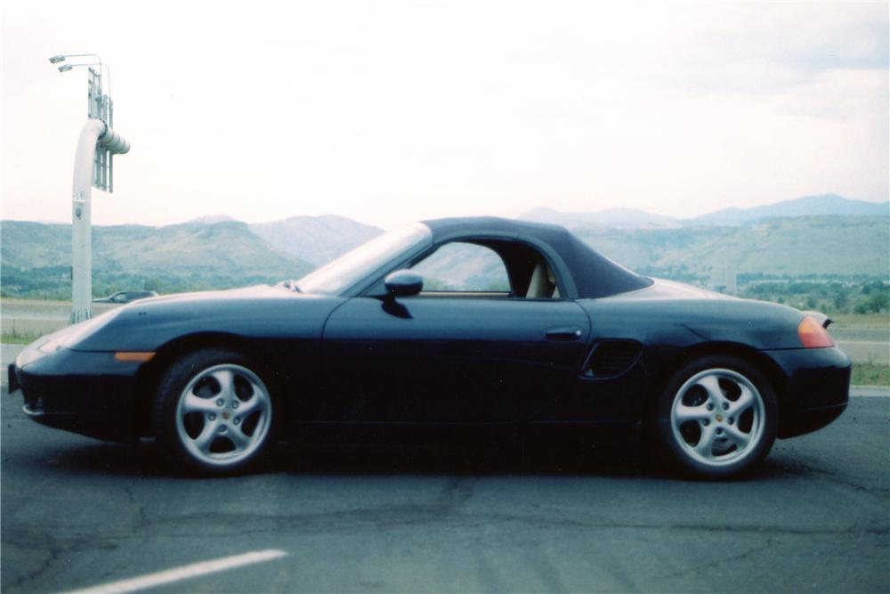 2000 PORSCHE BOXSTER CONVERTIBLE - Side Profile - 81908