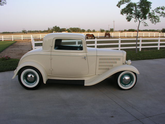 1932 FORD 3 WINDOW CUSTOM 2 DOOR COUPE - Side Profile - 81915