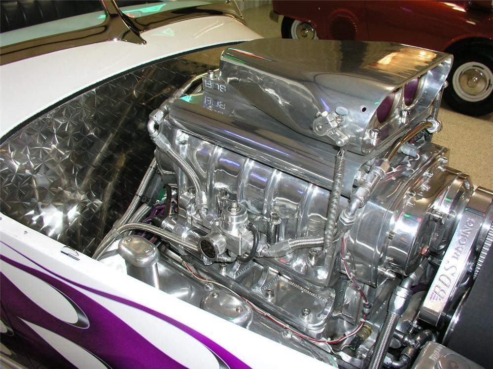 1932 FORD CUSTOM ROADSTER - Engine - 81916