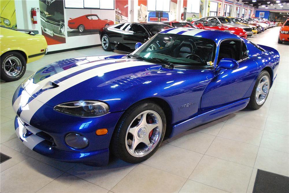 1996 DODGE VIPER GTS COUPE - Front 3/4 - 81940