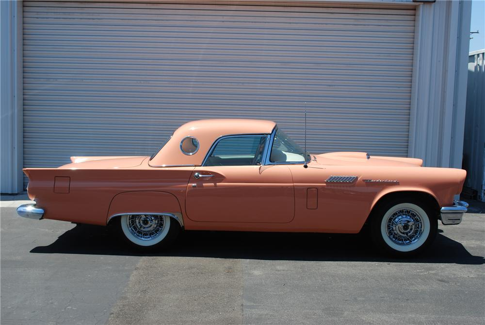 1957 FORD THUNDERBIRD CONVERTIBLE - Side Profile - 81943