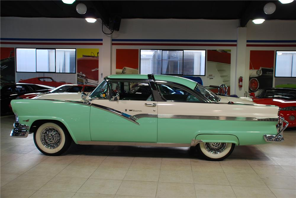 1956 FORD CROWN VICTORIA 2 DOOR HARDTOP - Side Profile - 81945