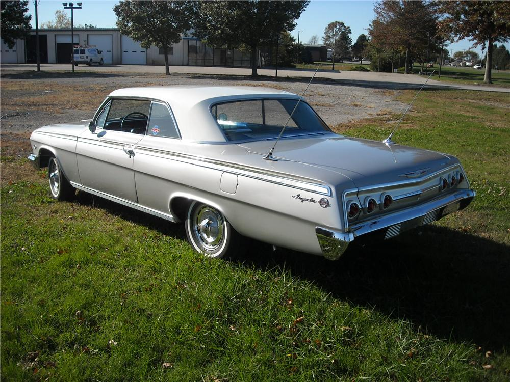 1962 CHEVROLET IMPALA SS 2 DOOR HARDTOP - Rear 3/4 - 81953