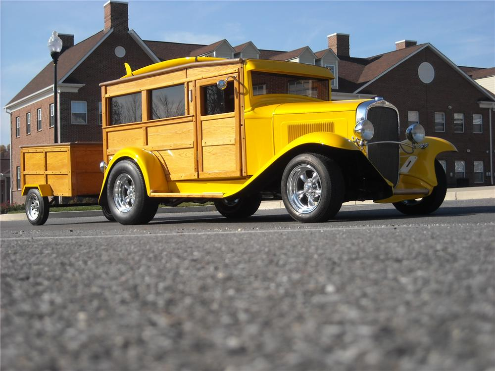 1932 CHEVROLET WOODY CUSTOM WAGON - Front 3/4 - 81955