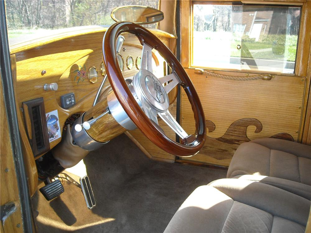 1932 CHEVROLET WOODY CUSTOM WAGON - Interior - 81955