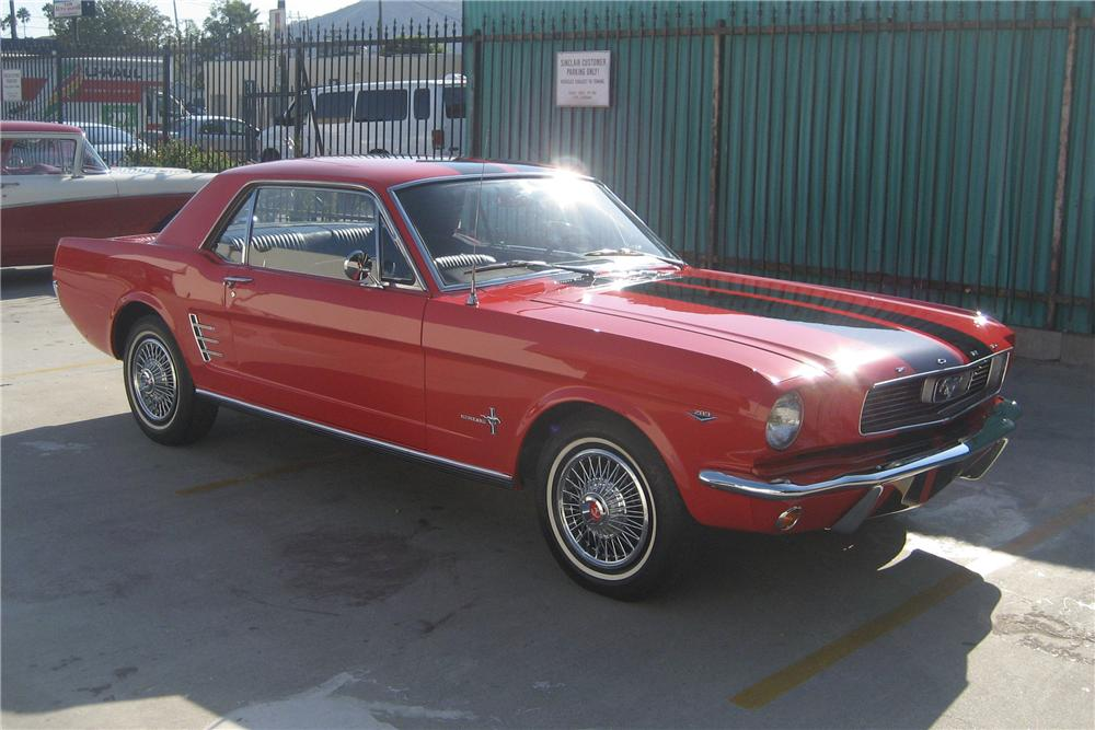 1966 FORD MUSTANG 2 DOOR COUPE - Front 3/4 - 81964