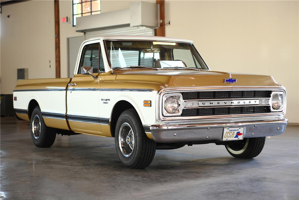 1970 CHEVROLET C-10 LONG BOX PICKUP - Front 3/4 - 81971