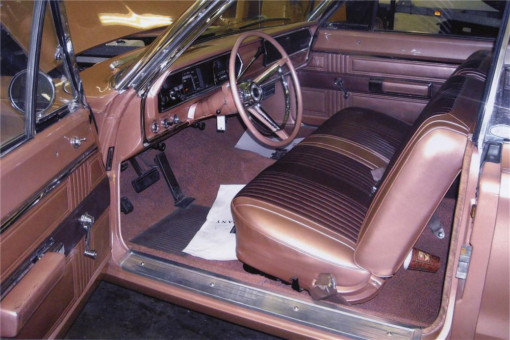 1967 PLYMOUTH BELVEDERE 2 DOOR CONVERTIBLE - Interior - 82001
