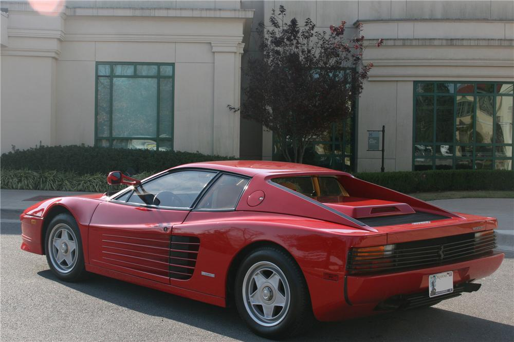 1986 FERRARI TESTAROSSA 2 DOOR COUPE - Rear 3/4 - 82003