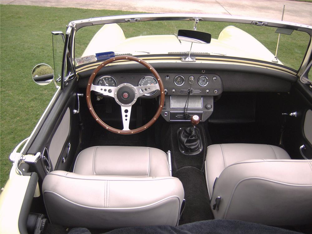 1966 MG MIDGET CONVERTIBLE - Interior - 82008