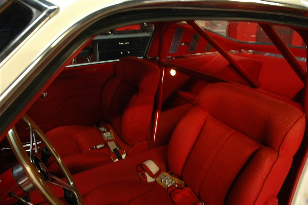 1965 FORD MUSTANG CUSTOM FASTBACK - Interior - 82021